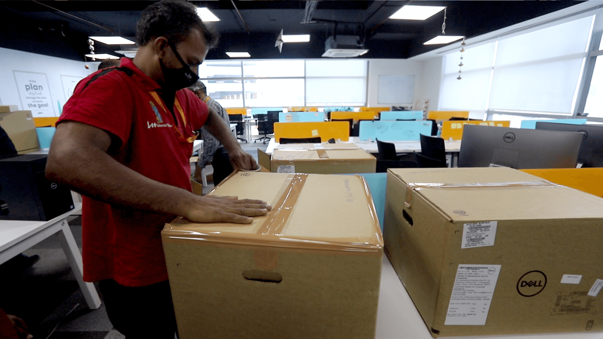 Box Packing By Leo Staff